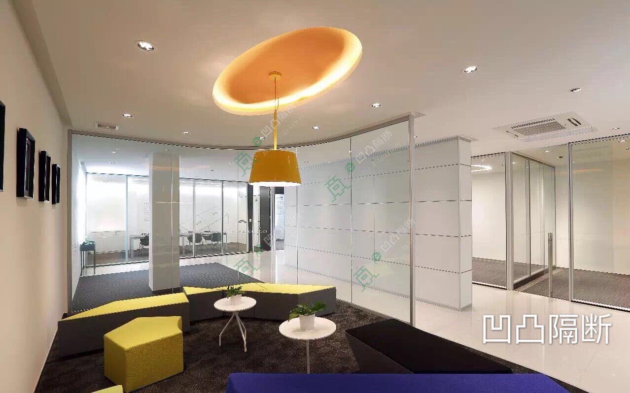 黄山什么样的办公室玻璃隔断最便宜??18305563136